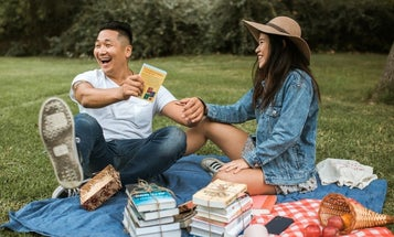 Bookworms, rejoice! Here's a gift guide for grads who love reading