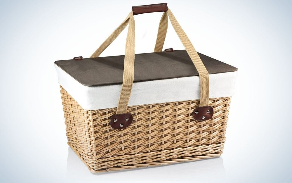 Brown, double-strand weave picnic basket with removable lid