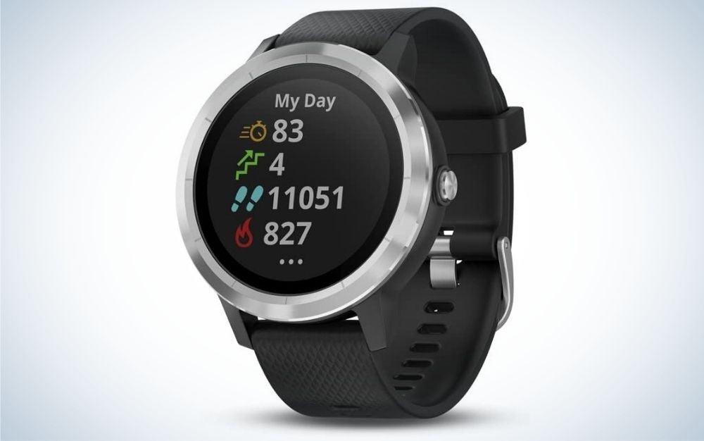 Garmin Vivoactive 3 is one of the best budget smartwatch models