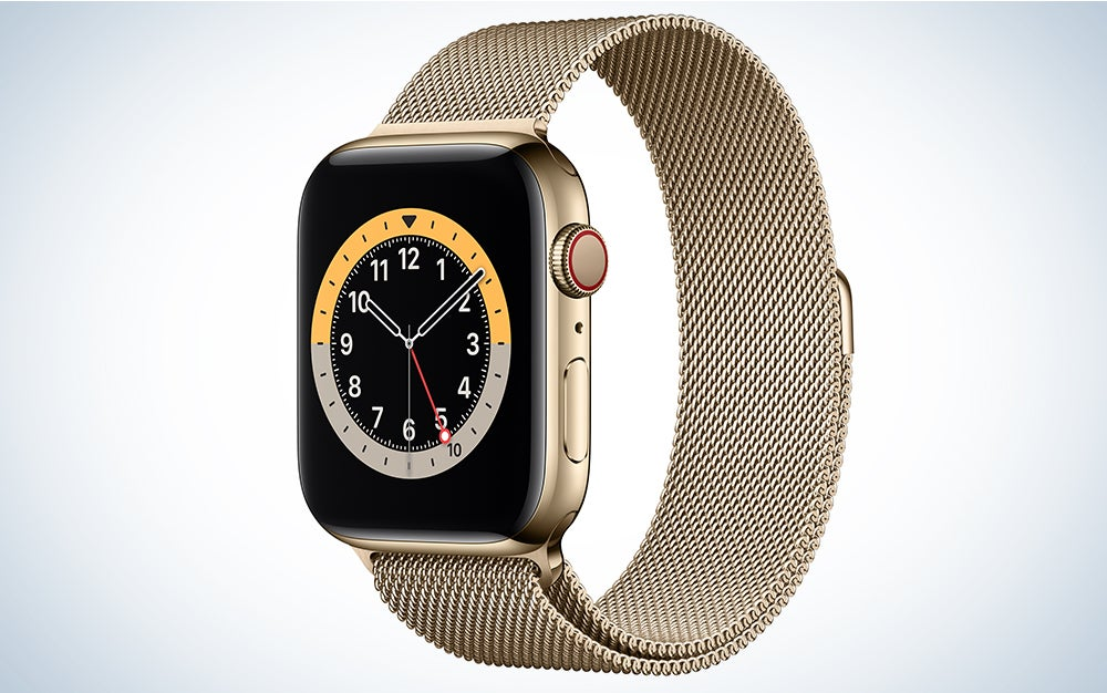 Apple Watch 6 in gold