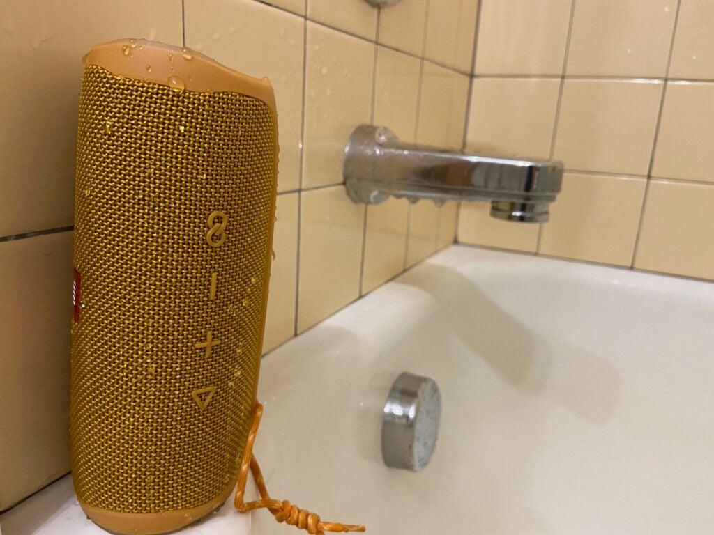 jbl flip 5 wireless speaker in the shower