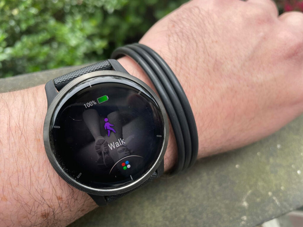 garmin venu 2 activity on wrist