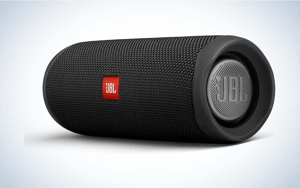 Black JBL flip 5 portable speaker