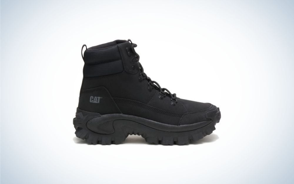 An all-winter black and thick shoe with a neck and laces from the front as well as a thick and high rubber.