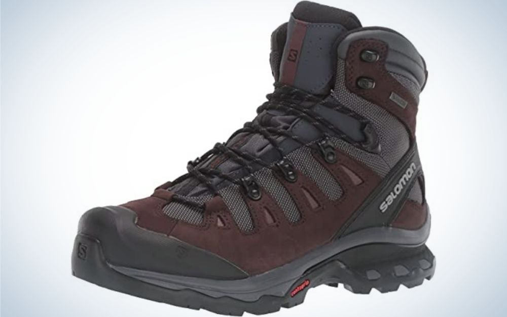 A cherry-colored shoe with black winter parts and thick with neck and laces from the front, as well as with a thick and high rubber.