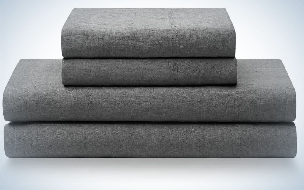 The YnM French Linen sheet set has the best budget linen sheets.