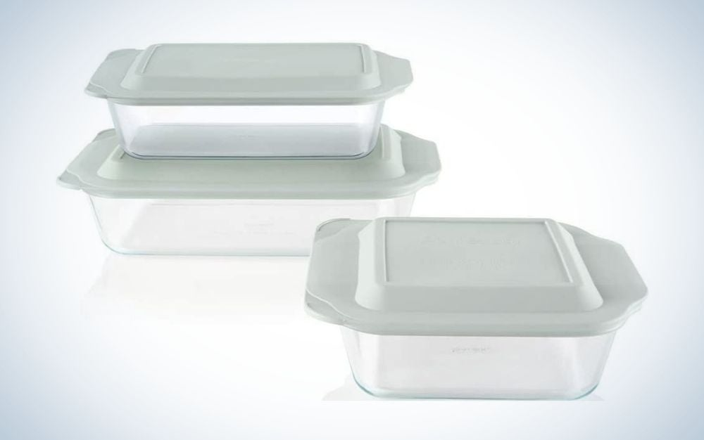 The Pyrex Deep Baking Dish set has the best glass baking dishes.