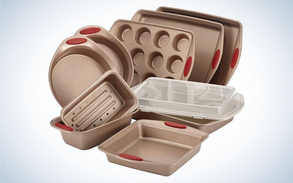 Rachael Ray 52420 Cucina is the best nonstick bakeware set.