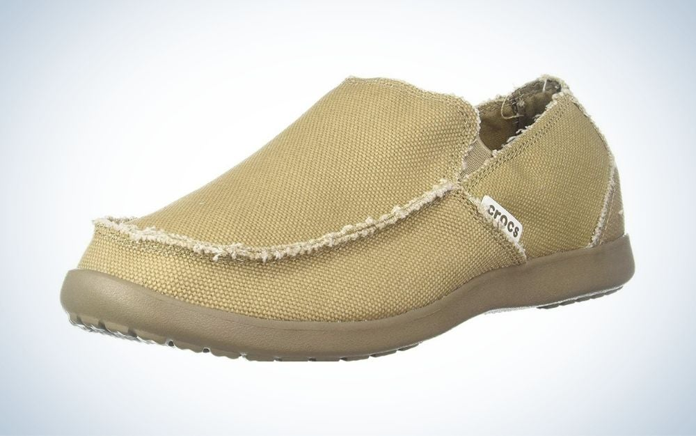 Crocs Santa Cruz loafers are the best Father's Day gift on a budget.