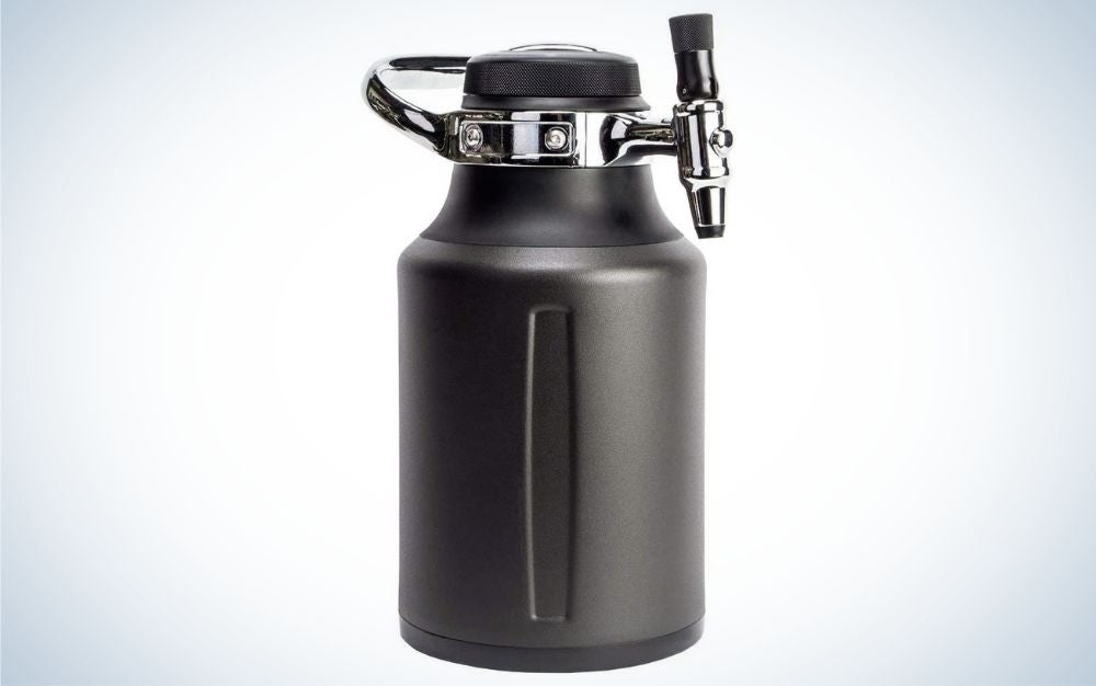 The GrowlerWerks uKeg Go Carbonated Growler is our best pick for thirsty dads.