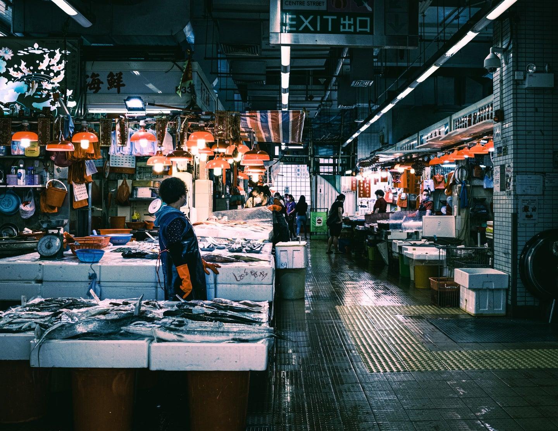 wet street market selling fish
