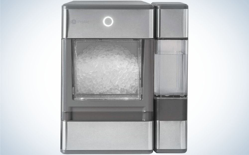 A large box in the shape of a rectangle which is transparent from the front and has square pieces of ice inside it.