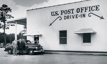 US post offices used to also be banks. Is it time to bring that back?