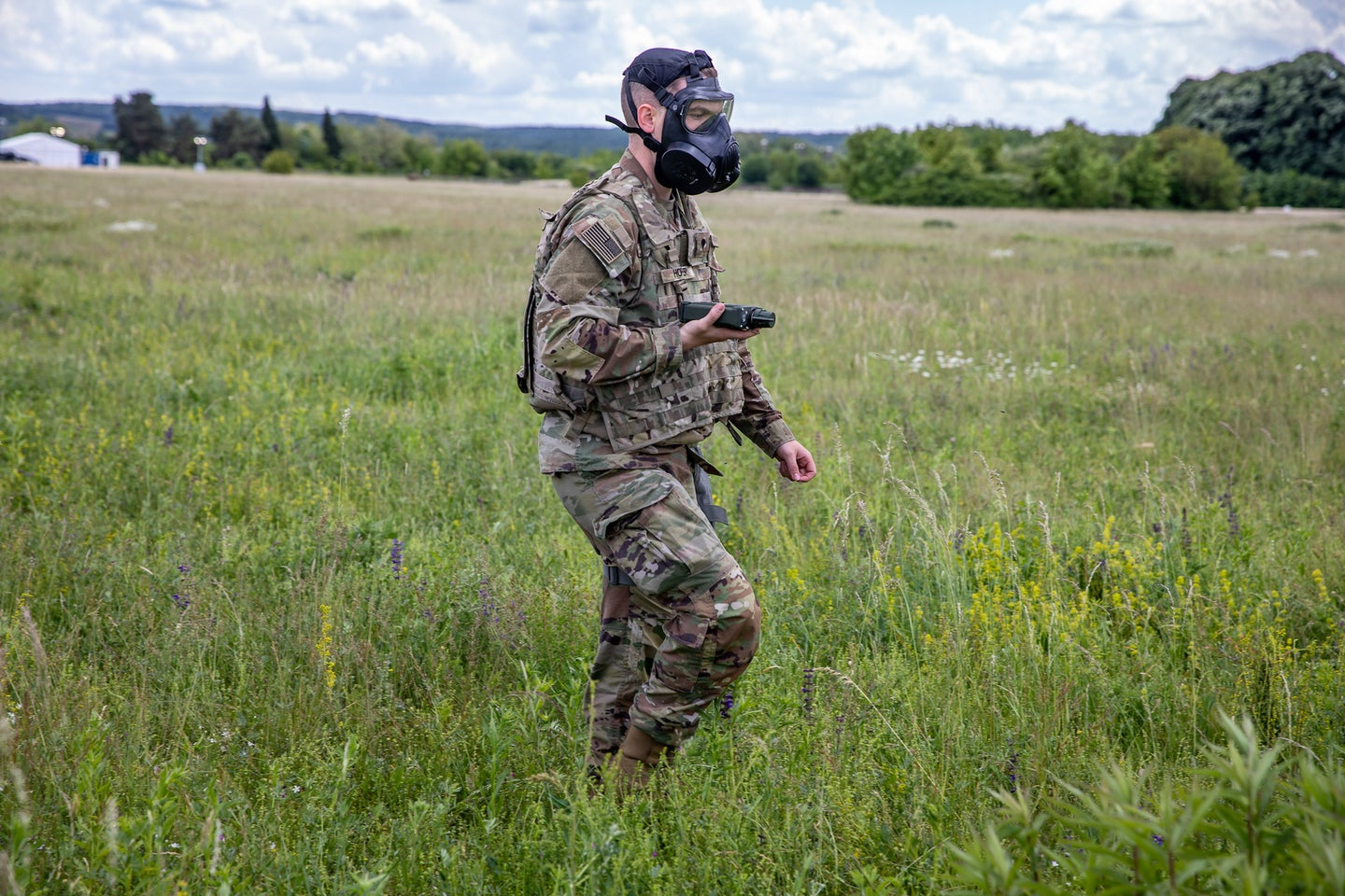 Wearable sensors may one day sniff out chemical weapons for soldiers