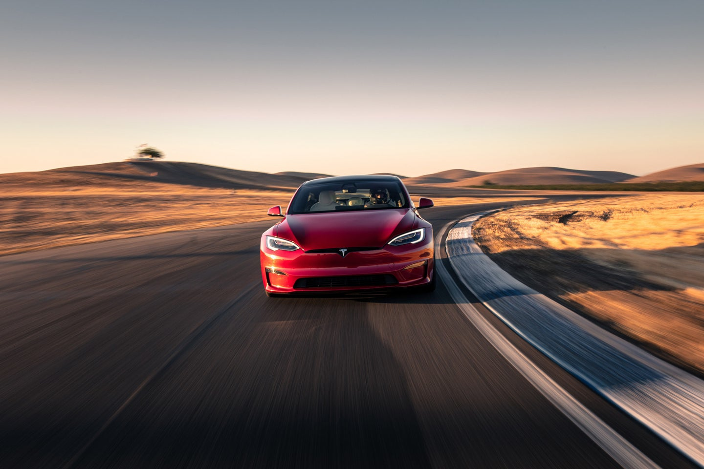 How Tesla is using a supercomputer to train its self-driving tech