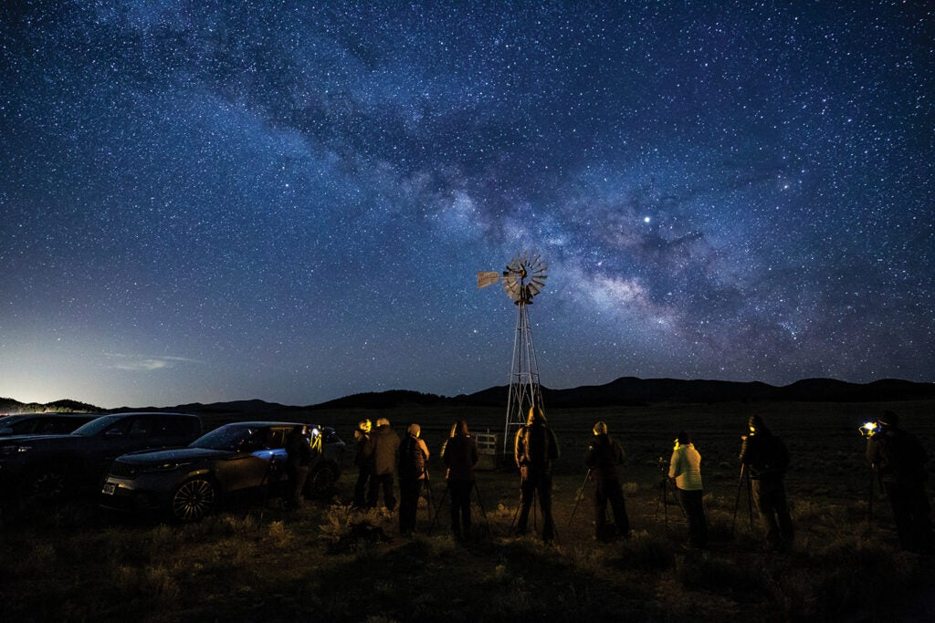 row-of-astrophotographers