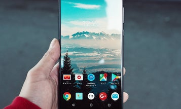 Fix your boring Android background with live wallpapers