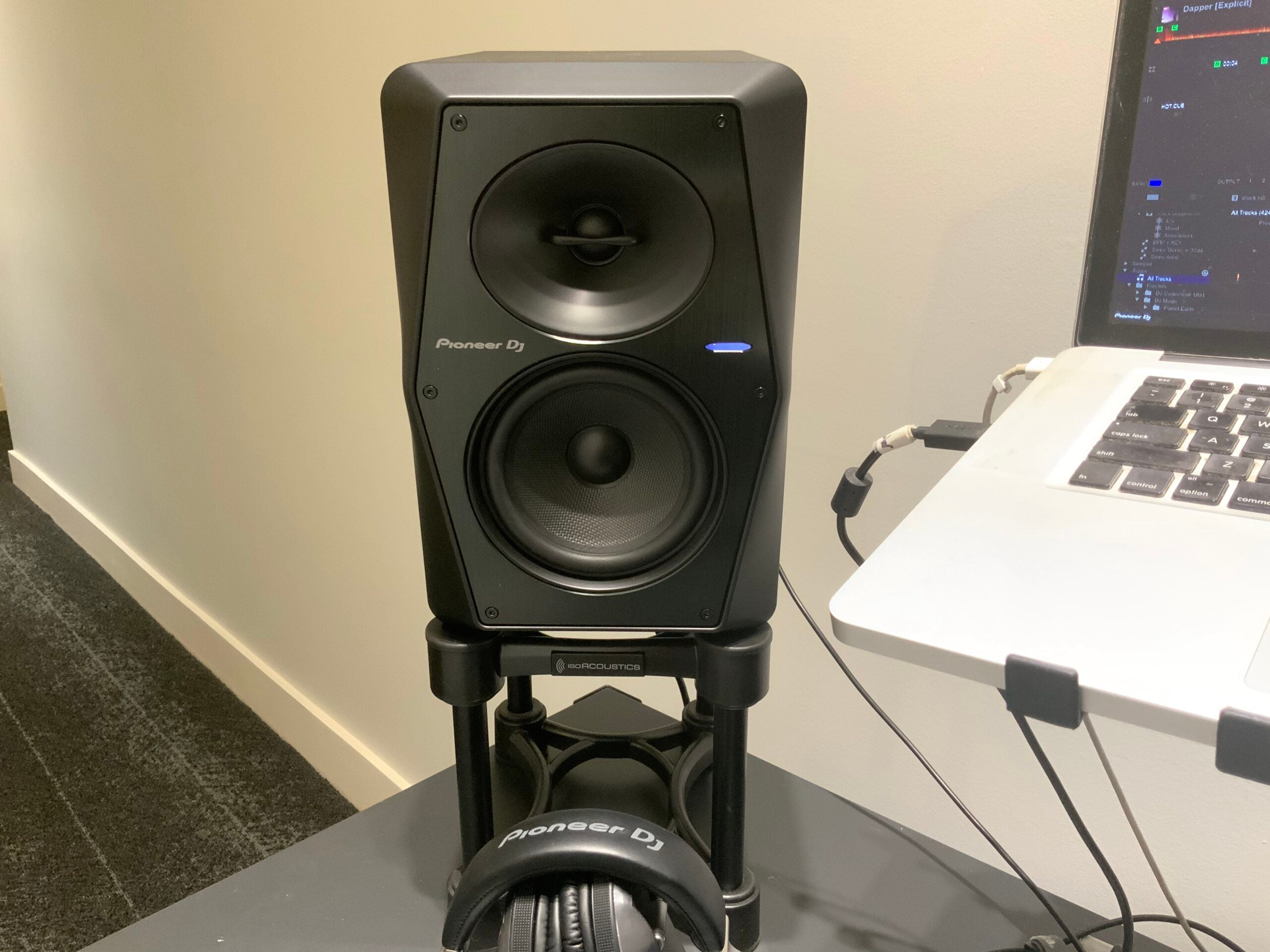 Pioneer VM-50 on a stand by a laptop