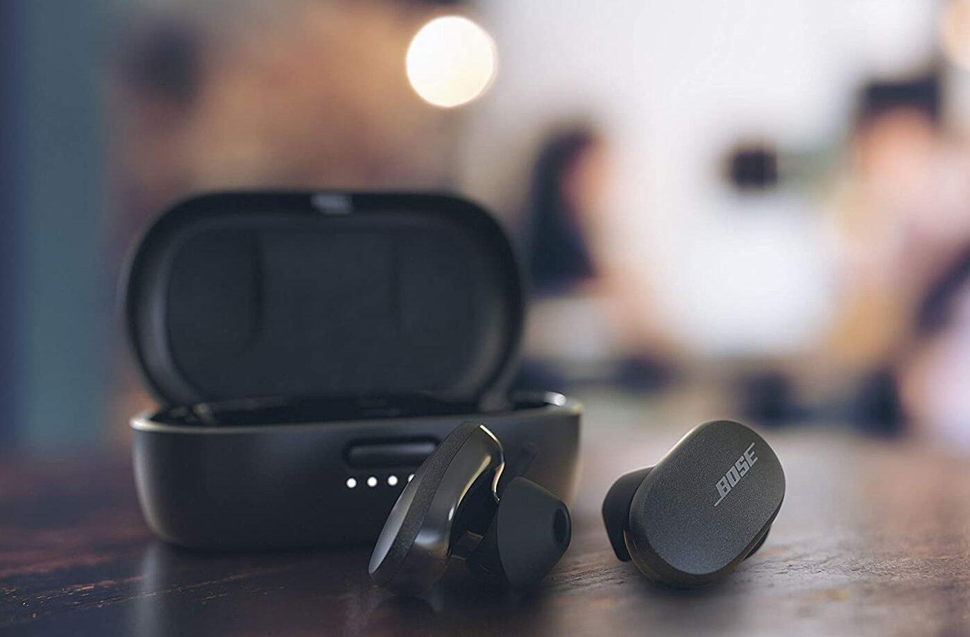 Bose QuietComfort earbuds press image