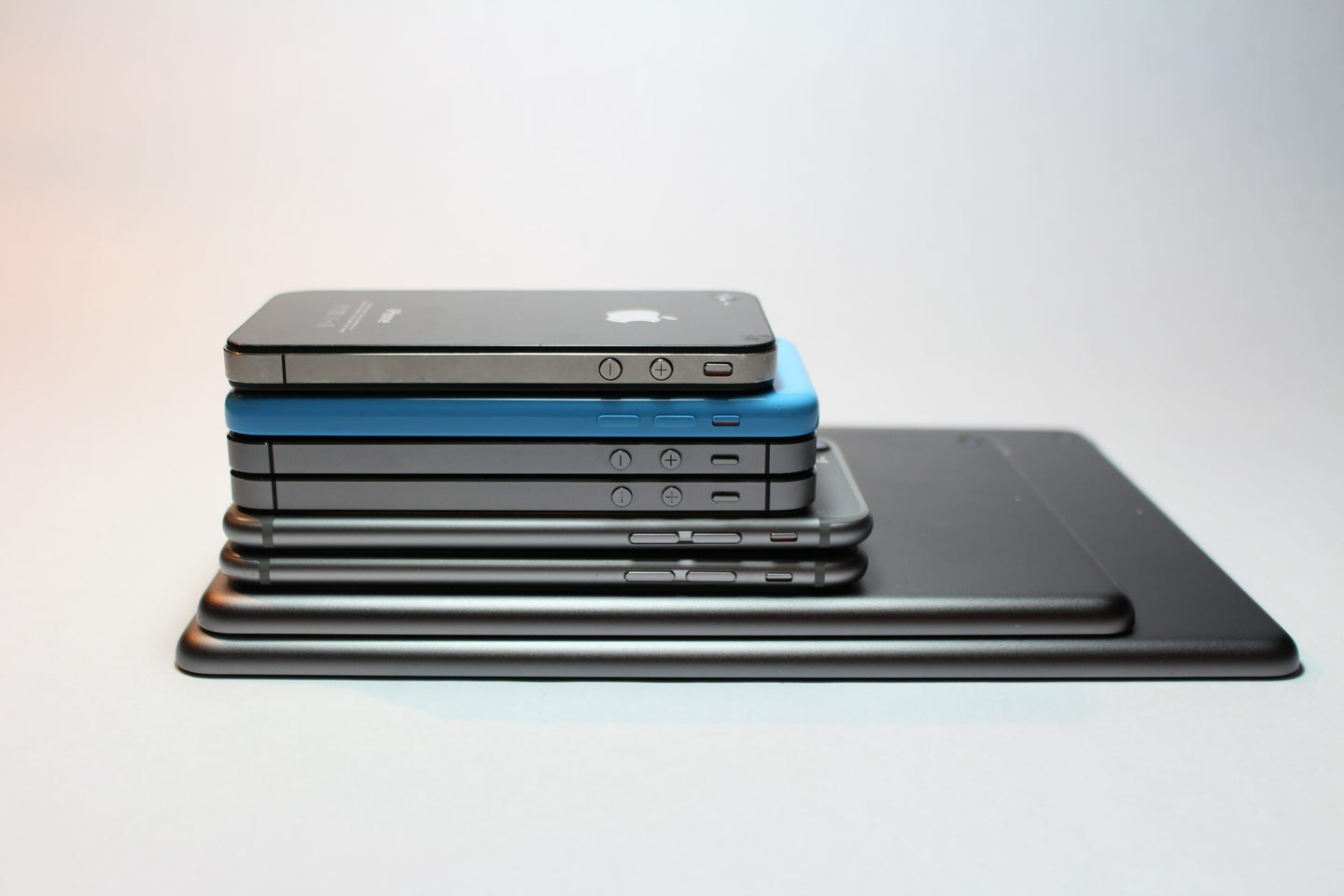 stack of apple devices