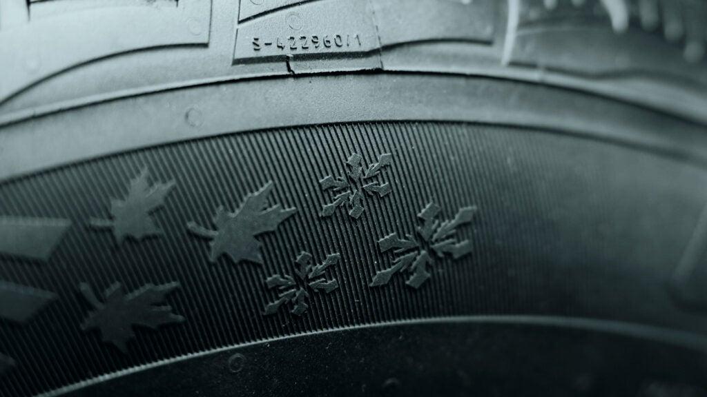 general-tire-snowflake-emblem