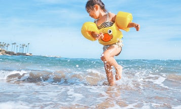 How to help kids feel confident in the ocean