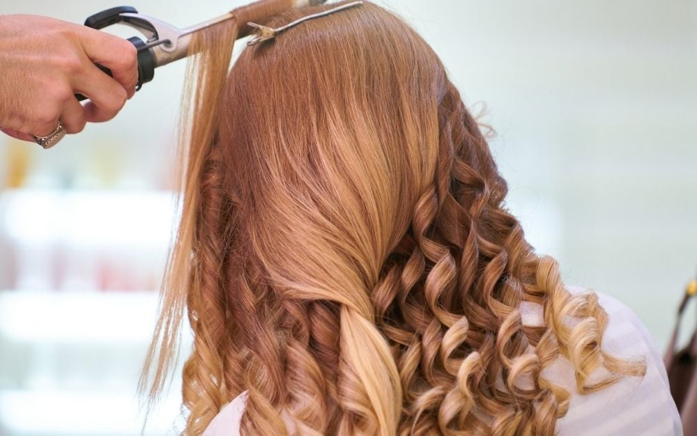 The best curling iron will make your hair look shiny and healthy while avoiding damage.