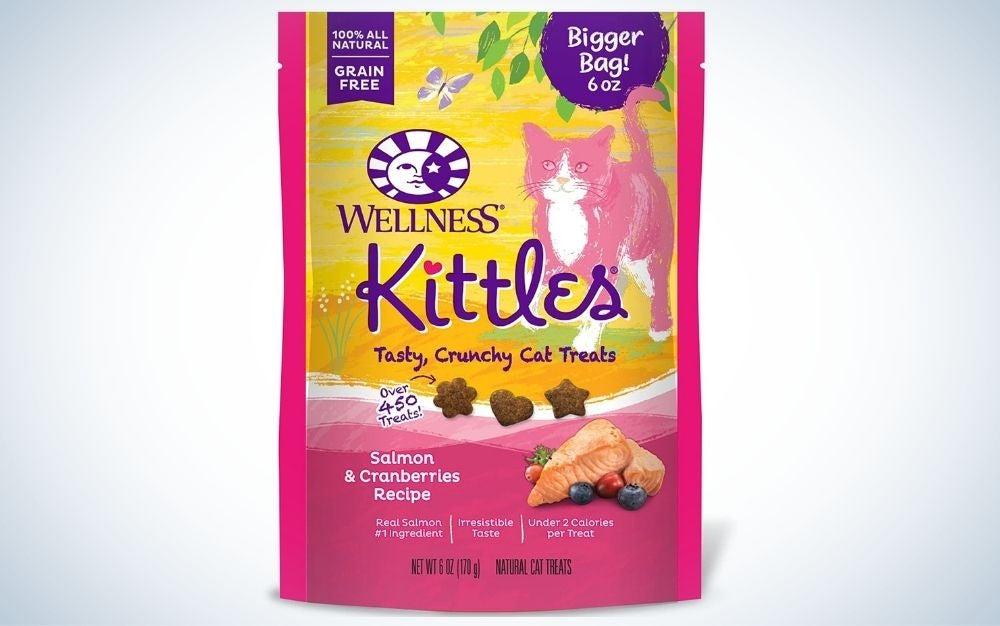 Wellness Kittle Grain-Free Salmon & Cranberries Recipe Treats are the best cat treats.