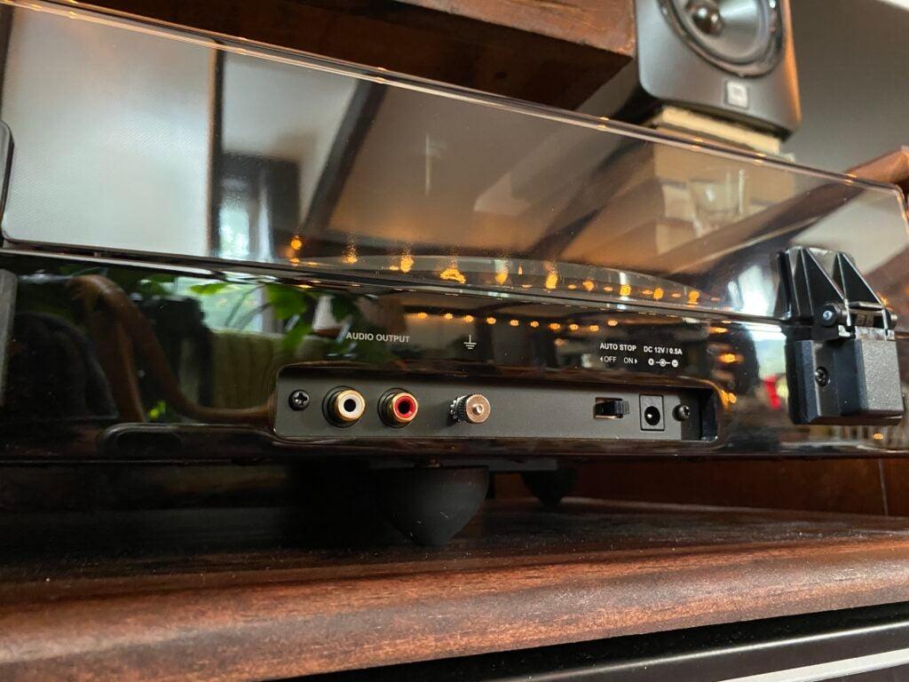 Fluance RT85 RCA outputs