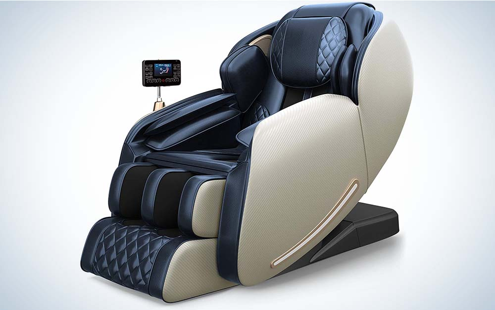 The Real Relax 2021 Massage Chair is the best for bigger people.