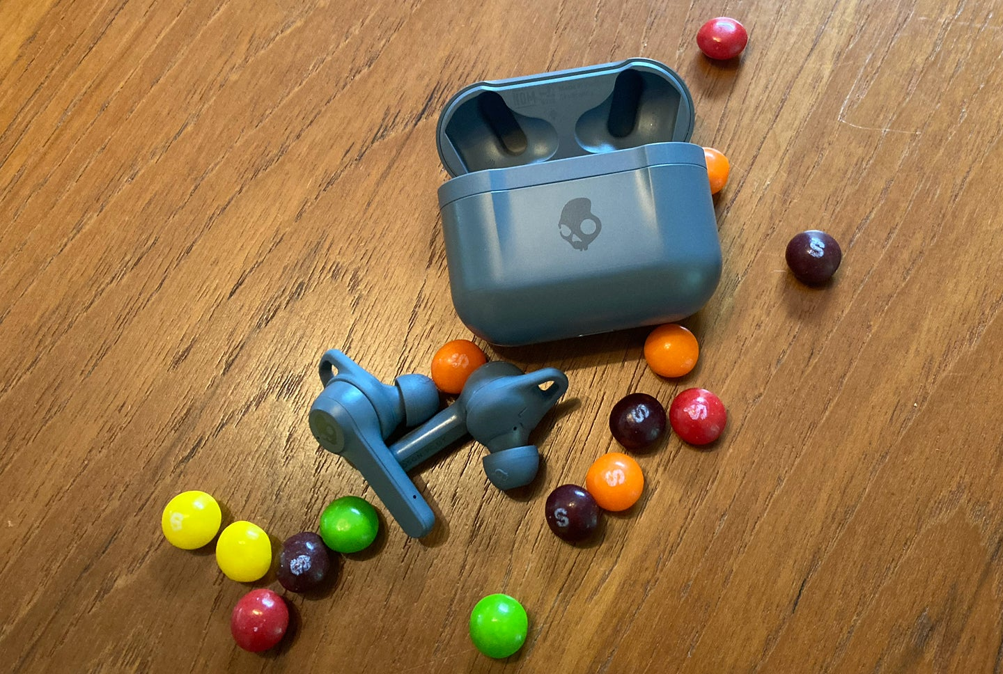 Skullcandy Indy ANC with Skittles