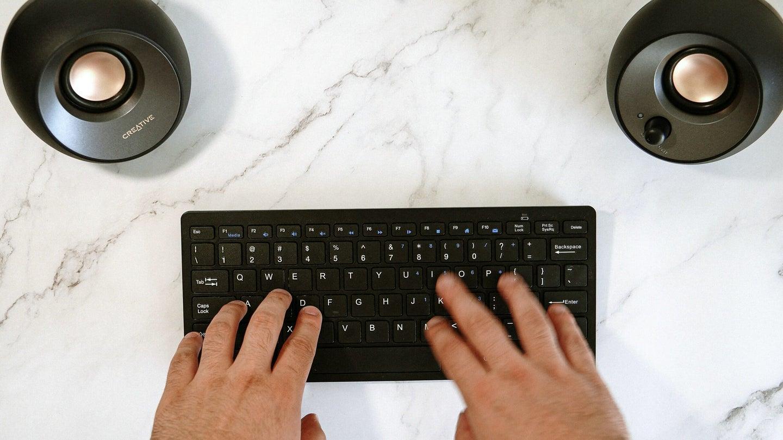 Creative-Pebble-2-USB-best-desktop-speakers-feature-image