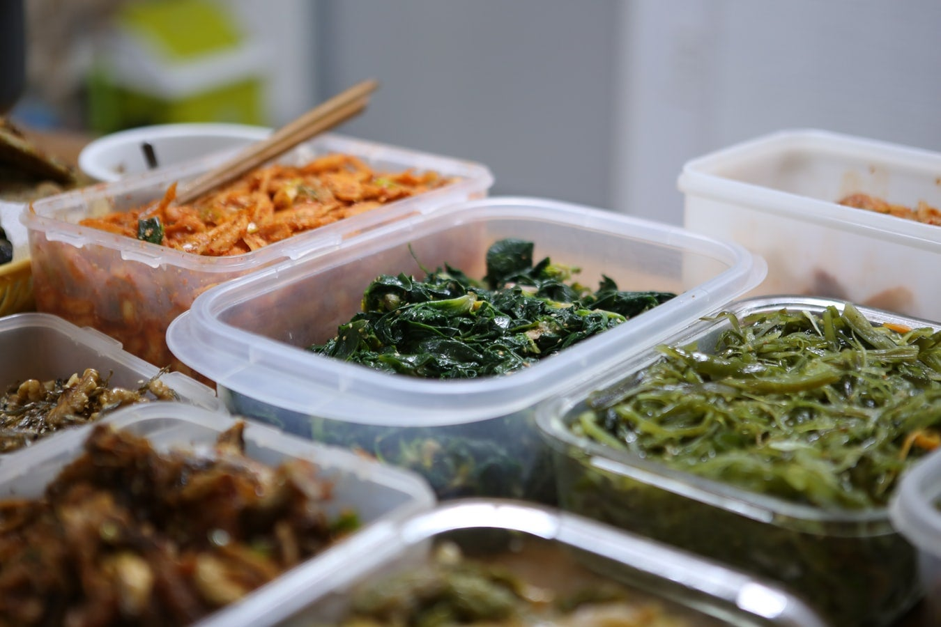 The best food containers help you keep food from spoiling and spilling.
