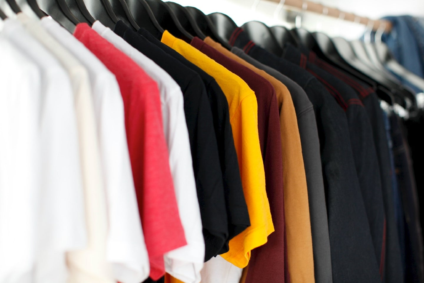 Colorful t-shirts made of soft bamboo