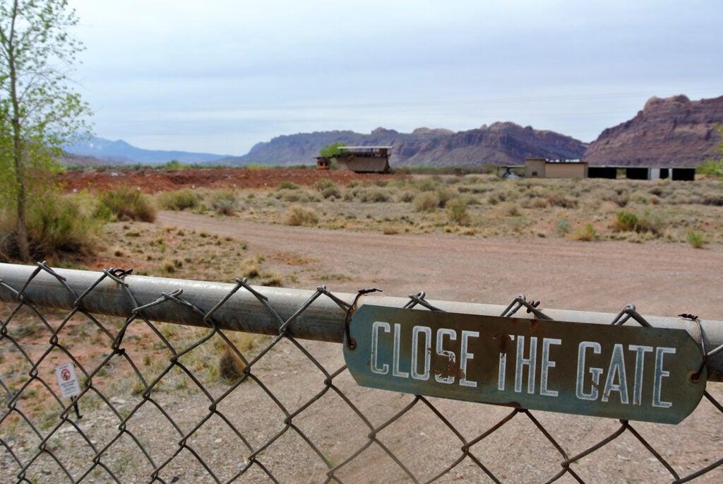 doe-barrier-moab-utah