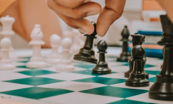 Use your phone to master the game of chess