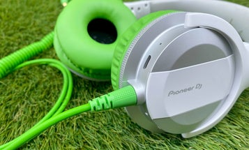 Pioneer DJ HDJ-CUE1BT review: Pro features for regular life