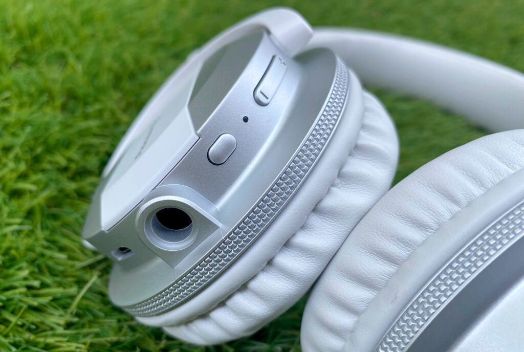 Pioneer DJ HDJ-CUE1BT headphones left earcup