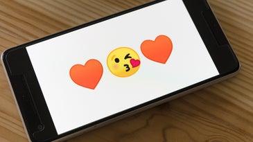heart emojis on phone
