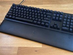 Razer Huntsman V2 Gaming Keyboard Review
