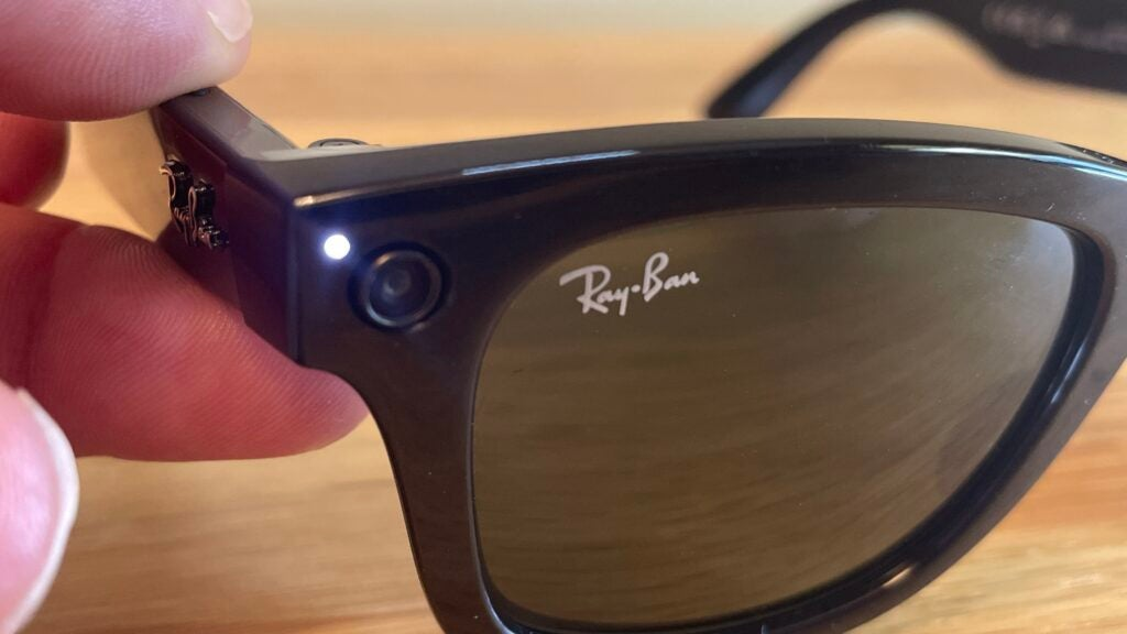 A camera lens and light embedded in the Ray-Ban Stories sunglasses.