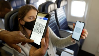 United fliers can soon use PayPal's new QR codes to buy chips and booze in the sky