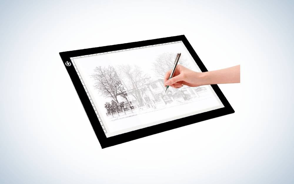 The LITENERGY Portable A4 is the best light box for tracing