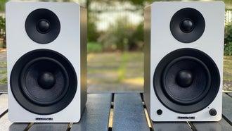 Fluance Ai41 bookshelf speakers in White Bamboo