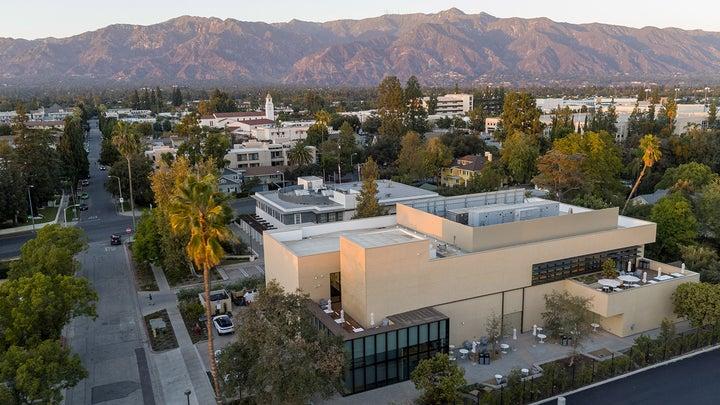 Caltech AWS quantum computing center